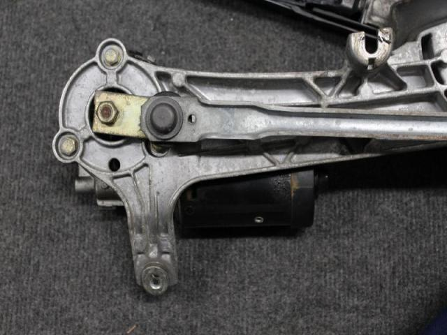 Wischermotor mit wischergestaenge vorn bild1