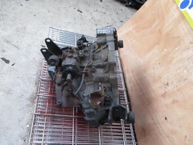 Getriebe avensis bj02 2,0l diesel bild1
