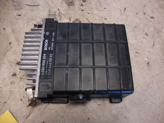 Steuergeraet motor 230 e w124 bj 86 Bild