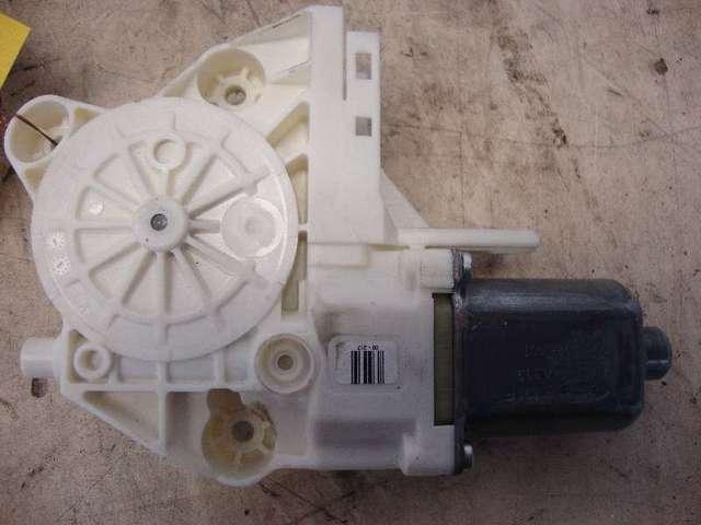 Motor fensterheber vorne links   focus 2  1,8  bj 07 bild2