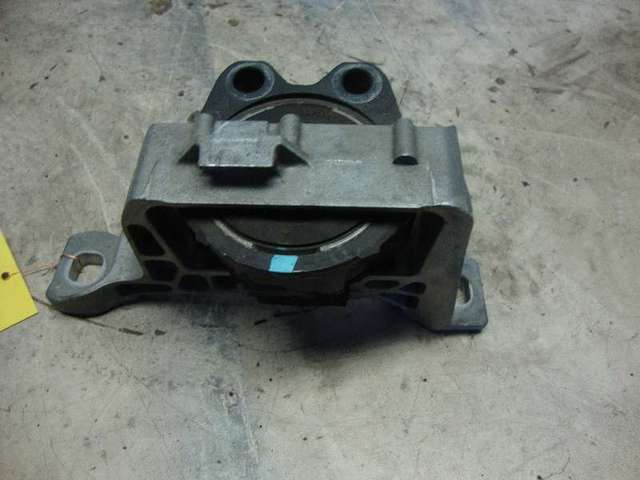 Motorhalter focus 2  1,8  bj 07 bild1