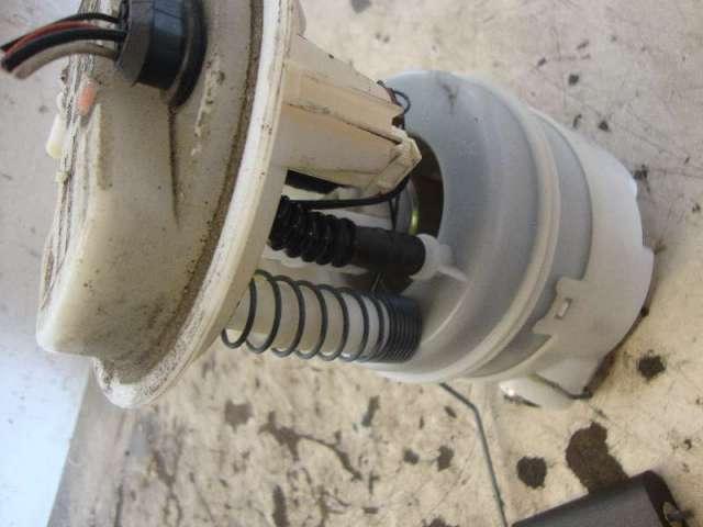 Kraftstoffpumpe elektr. twingo 1,2 16v bj 02 bild1