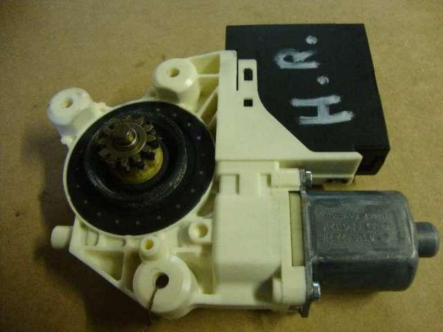Motor fensterheber hinten rechts    focus  bj 06 bild1