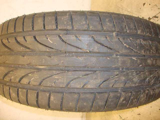 Reifen 205/40ZR17  84W   6-7 mm
