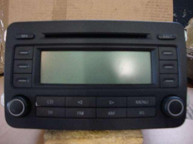 Autoradio mit cd  rcd 300 golf 5 bj 2004 bild1