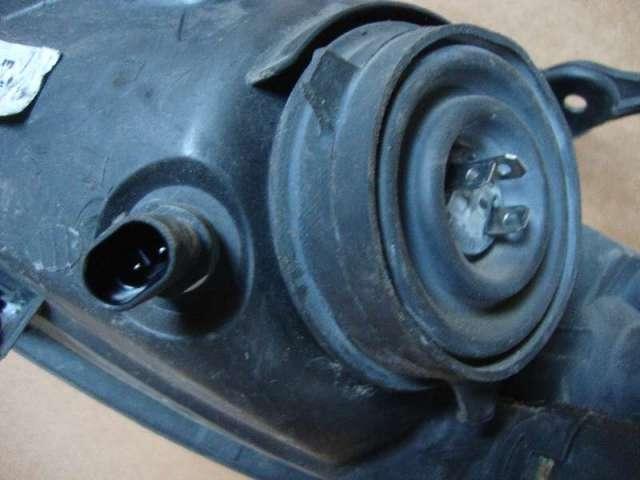 Scheinwerfer rechts lichtmaschine corsa b 1,0 bild1