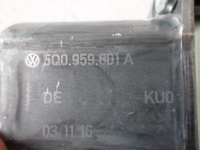 Motor fensterheber hinten links  vw  touran 1,2 bj 2016 Bild