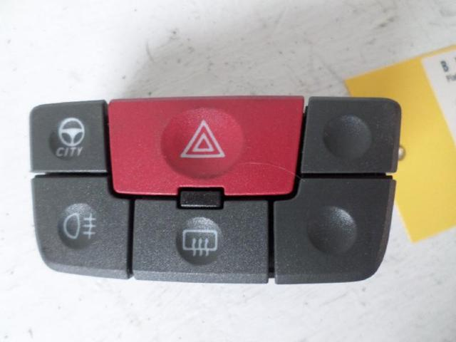 Warnblinkschalter  panda 169 bj 2007 bild1