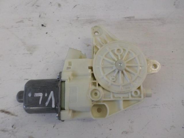 Motor fensterheber vorne links   b180 bj 2012 bild2