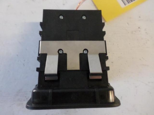 Schalter feststellbremse  b180 bj 2012 bild2