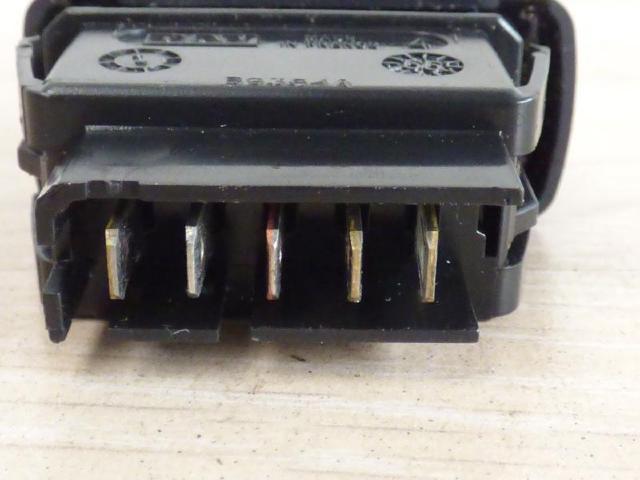 Schalter fensterheber hinten links  bild2