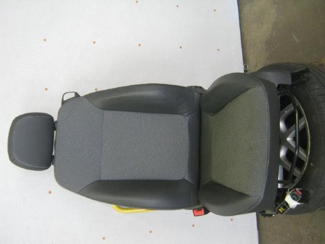 Sitz vorne links  bild1