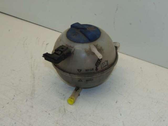 Ausgleichsbehälter Kühlwasser
