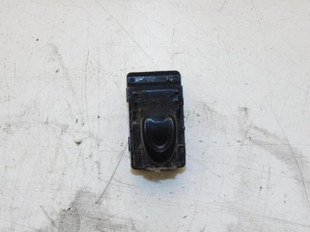 Fensterheberschalter VR vorne rechts 02-05.