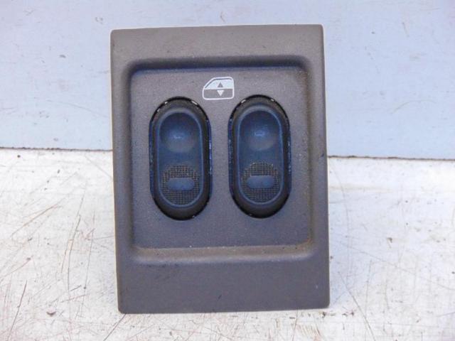 Fensterheberschalter hinten mitte 00-06