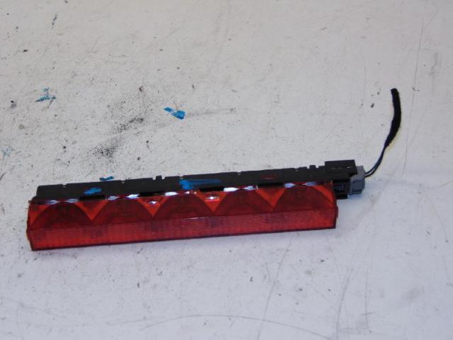 Dritte bremsleuchte zusatzbremsleuchte hinten03-07 bild1