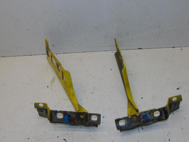 Motorhaubenscharnier halter links & rechts bild2