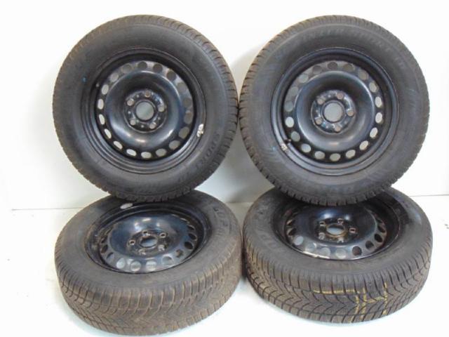 4x Winterreifen Dunlop & Felge 195/65 R15 91T