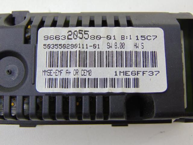 Bordcomputer anzeigendisplay uhr radio Bild