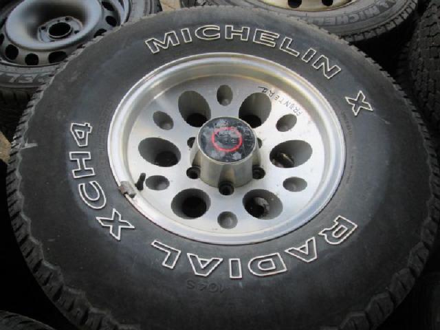Rad mit leichtmetall-felge bild1