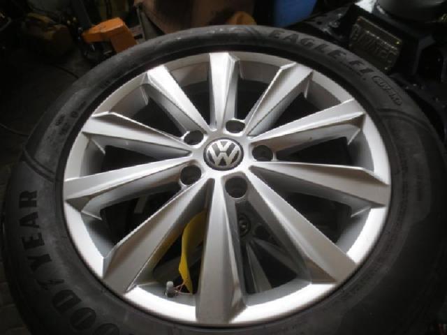 Rad mit leichtmetall-felge Bild