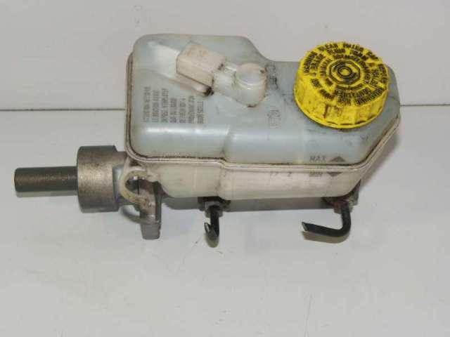 Hauptbremszylinder mit ausgleichsbehaelter bild1