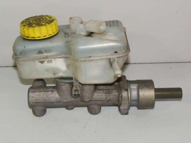Hauptbremszylinder mit ausgleichsbehaelter bild2