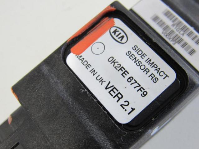 Crashsensor links airbagsensor Bild