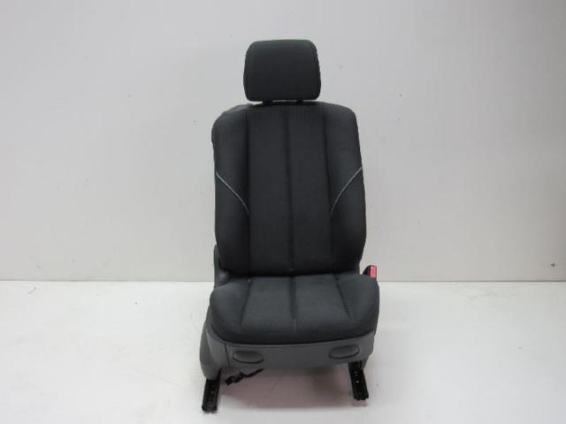 Sitz vorne rechts stoff bild1