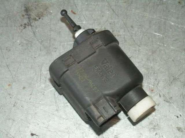 Lwr-motor scheinwerfer rechts bild1