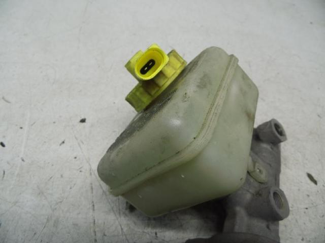 Hauptbremszylinder 1,6 bild2