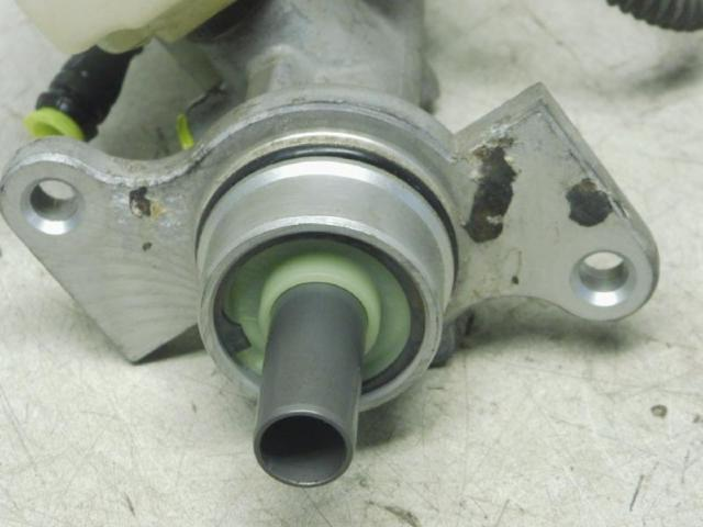 Hauptbremszylinder 1,1(1124ccm) 44kw Bild