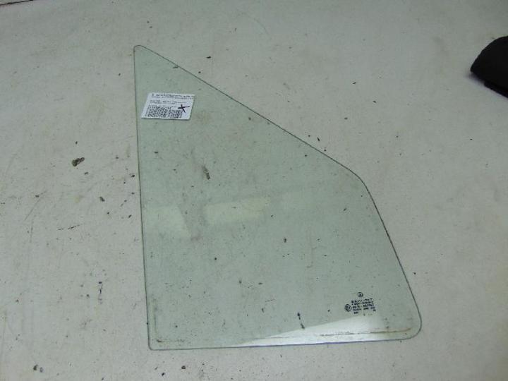 Dreieckscheibe vorne rechts ungetönt