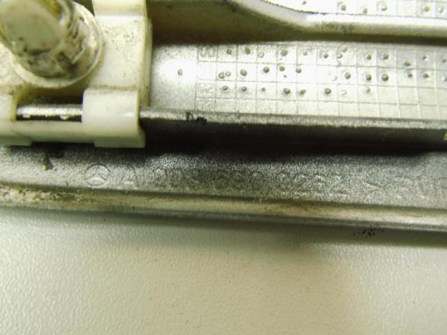 Zierleiste kotfuegel vorne rechts a2036900262 Bild