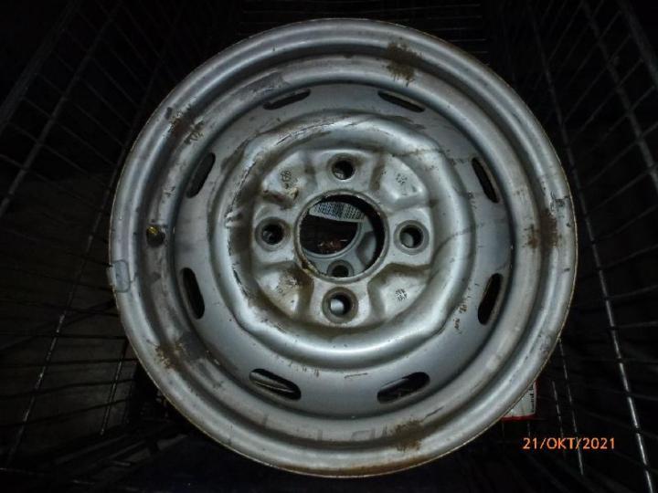 Felge 4,5 x15 ET34 mit Reifen