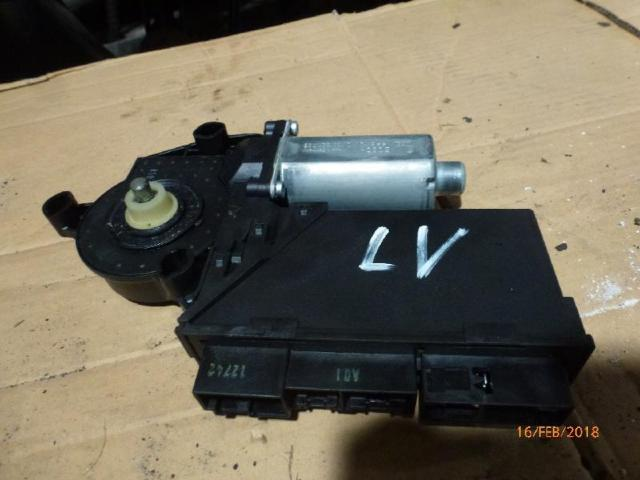 Motor Fensterheber v.l.