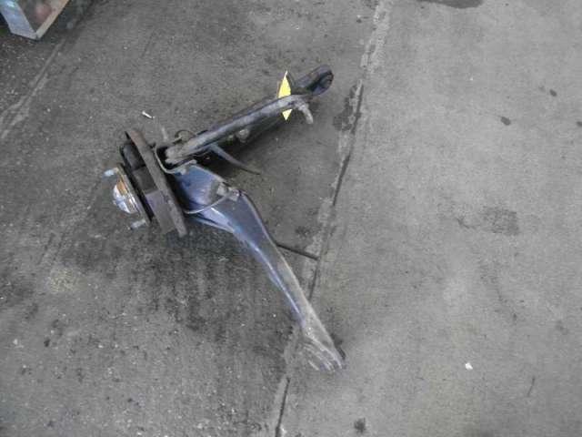 Hinterachsschwinge hinten rechts mit bremstrommel bild1